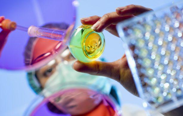 Beca Pharmabridge para mujeres farmacéuticas